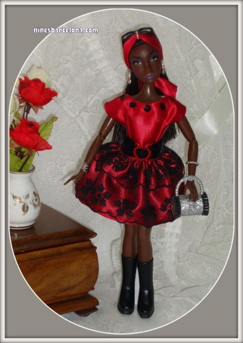 Barbie negra petita.