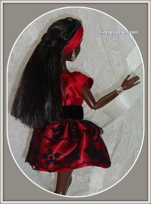 Barbie negra petita